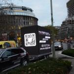 Unser mobiler LED Video Cube mit 36 m² umlaufender Videoanlage auf Stage-Trailer im Dezember 2015 am Kufürstendamm in Berlin!